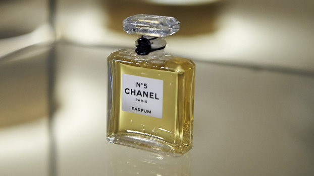 The Insane Number Of Flowers In Chanel No 5 Perfume Instylecom