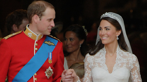 8002508d88f H M Recreated Kate Middleton s Wedding Dress for  299