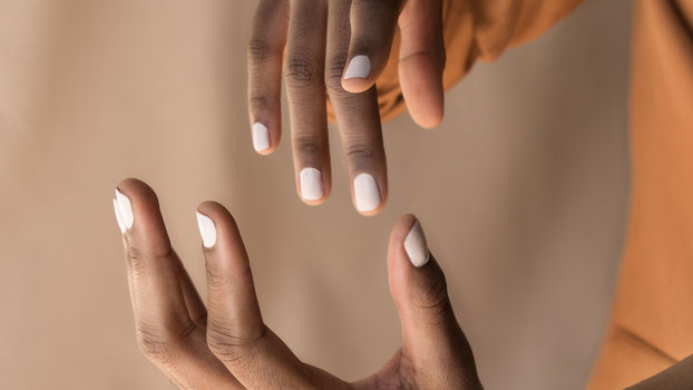 This Is the Trick to Removing Gel Nail Polish at Home   InStyle.com