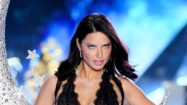 Adriana Lima 2018 Victoria's Secret Fashion Show in New York