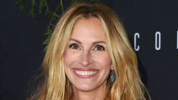 Julia Roberts attends the premiere of Amazon Studios' 'Homecoming'