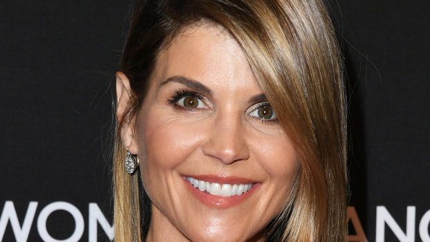 Lori Loughlin Reportedly Didn't Know Her Alleged College Admissions Bribe Was Illegal