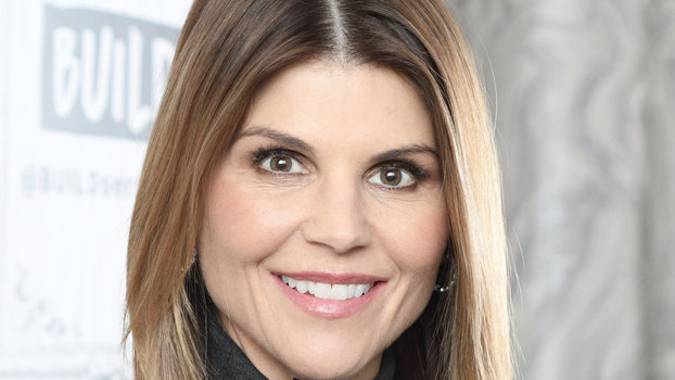 Here's Who's Throwing Support Behind Lori Loughlin — and Who's Throwing Shade