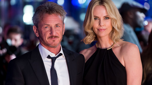 These Photos of Charlize Theron and Sean Penn Hugging Post-Split Will Make You Cringe