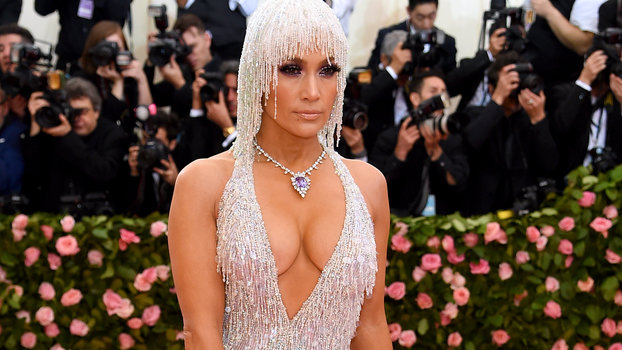 The Closeups of Jennifer Lopez's 65-Carat Purple Dragon Necklace Are Blinding