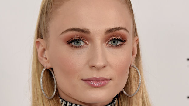 LONDON, ENGLAND - MAY 22: Sophie Turner attends an exclusive fan event photocall for  X-Men: Dark Phoenix  at the Picturehouse Central on May 22, 2019 in London, England. (Photo by David M. Benett/Dave Benett/WireImage)