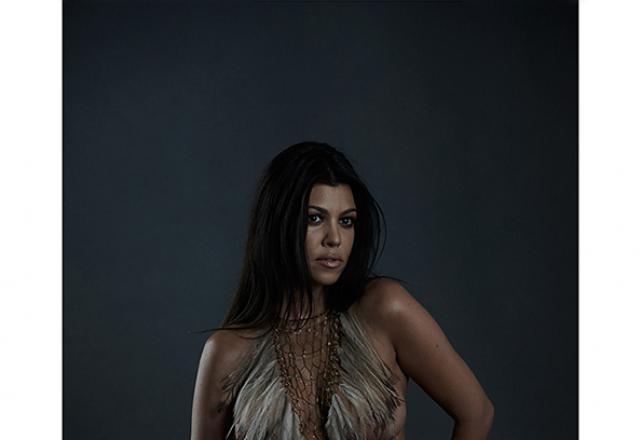 Kourtney Kardashian S In The Buff Maternity Photo Shoot