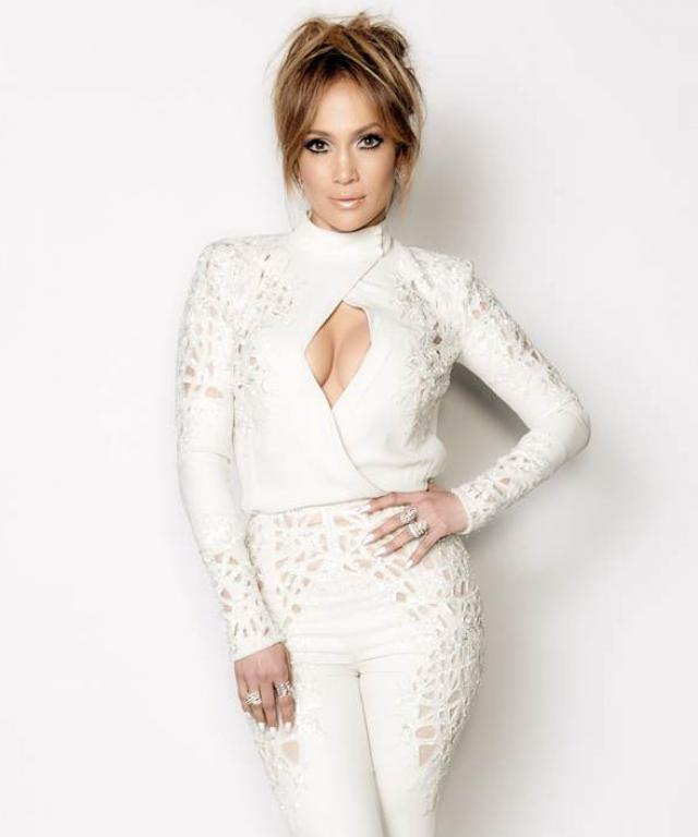 Jennifer Lopez in Zuhair Murad on American Idol