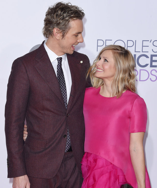 LOS ANGELES, CA - JANUARY 07:  Actors Dax Shepard and Kristen Bell arrive at The 41st Annual People's Choice Awards at Nokia Theatre LA Live on January 7, 2015 in Los Angeles, California.