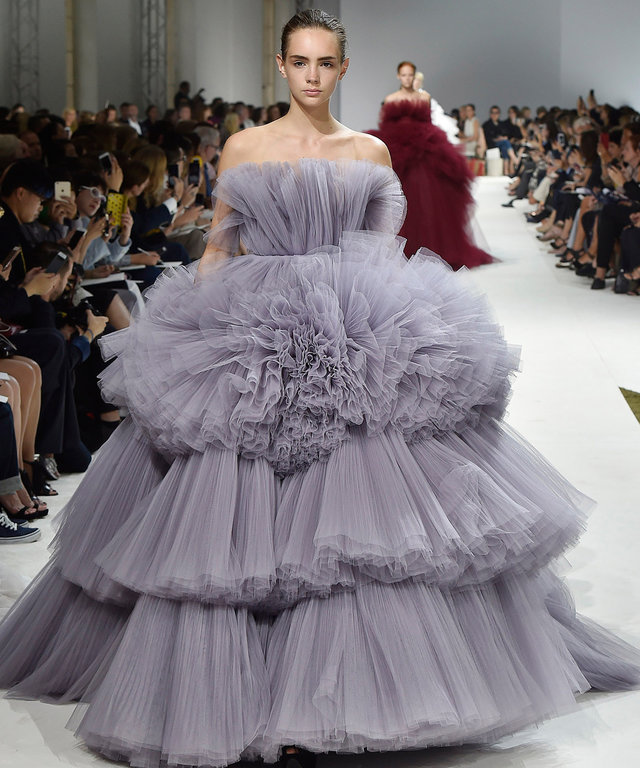 PARIS, FRANCE - JULY 04:  Models walk the runway at the Giambattista Valli Autumn Winter 2016 fashion show during Paris Haute Couture Fashion Week on July 4, 2016 in Paris, France.  (Photo by Catwalking/Getty Images)