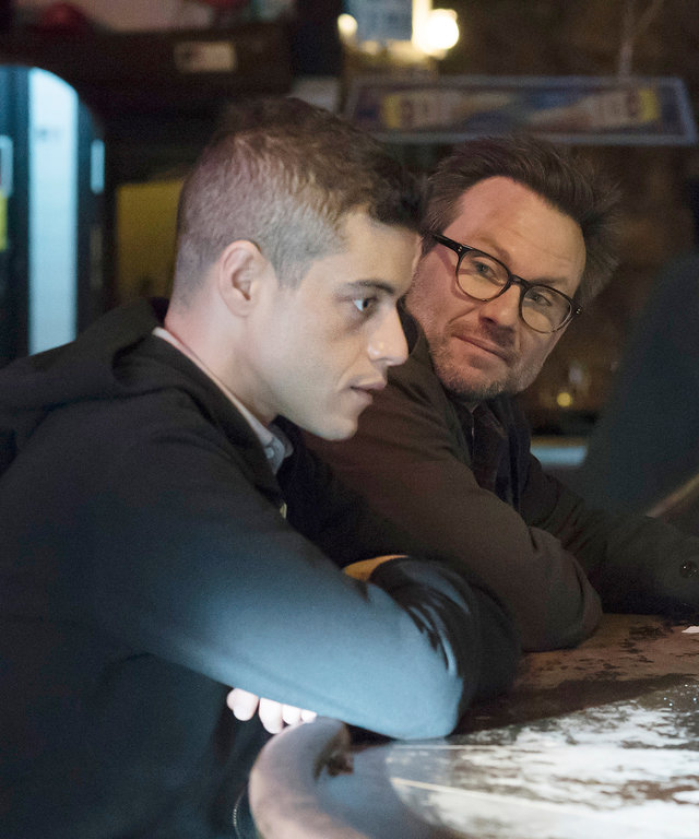 "MR. ROBOT -- ""d3bug.mkv"" Episode 103 -- Pictured: (l-r) Rami Malek as Elliot, Christian Slater as Mr. Robot -- (Photo by: Virginia Sherwood/USA Network/NBCU Photo Bank)"