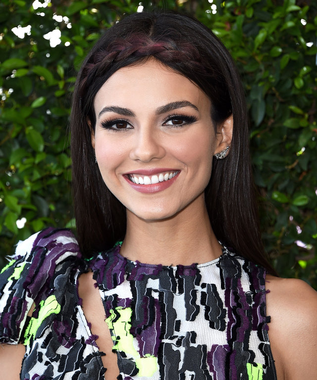 INGLEWOOD, CA - JULY 31:  Victoria Justice arrives at the Teen Choice Awards 2016 at The Forum on July 31, 2016 in Inglewood, California.  (Photo by Steve Granitz/WireImage)