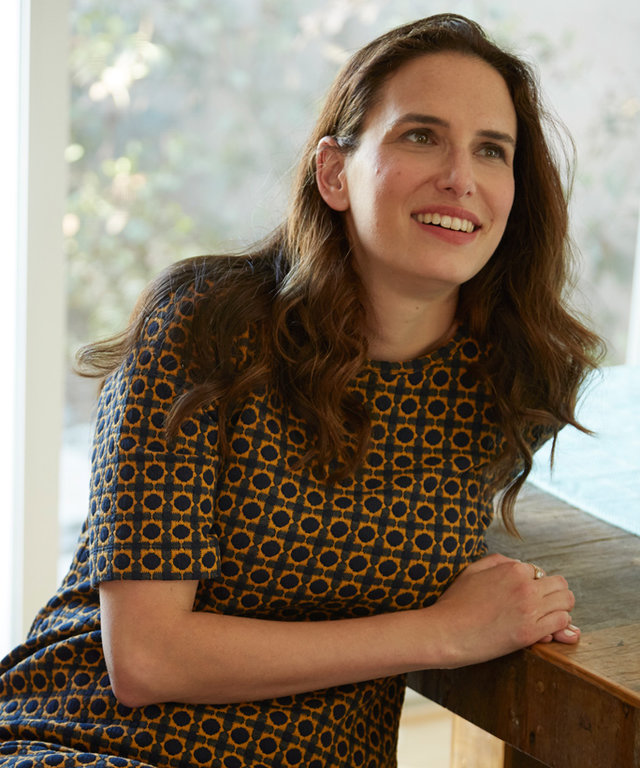 Watch Jessi Klein Clear Out Her 20-Something Wardrobe