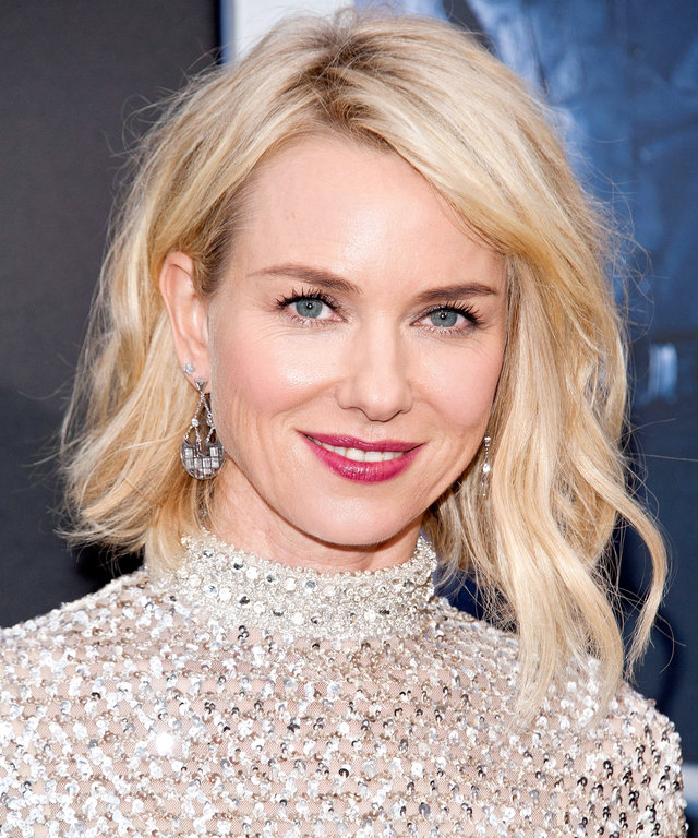 """NEW YORK, NY - MARCH 14:  Naomi Watts attends the """"Allegiant"""" New York premiere at AMC Lincoln Square Theater on March 14, 2016 in New York City.  (Photo by D Dipasupil/Getty Images)"""