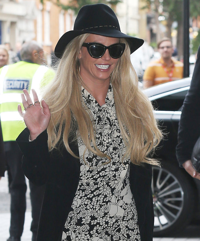 Britney Spears Shows Off Her Toned Legs in a Fall-Perfect Ensemble in London