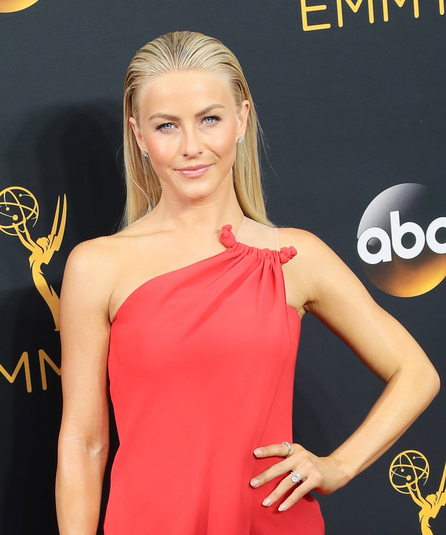 Julianne Hough's Beauty Looks Killed It TWICE Yesterday