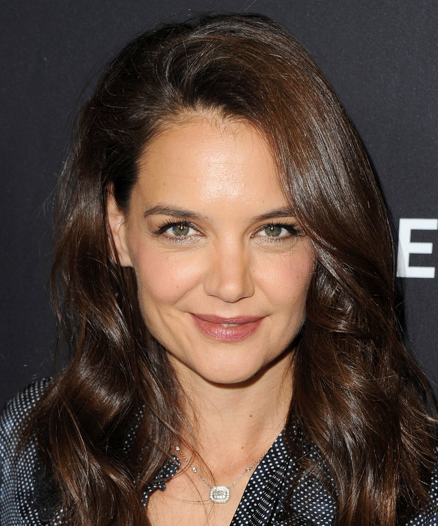 You Need To See Katie Holmes's Flawless Makeup-Free Selfie