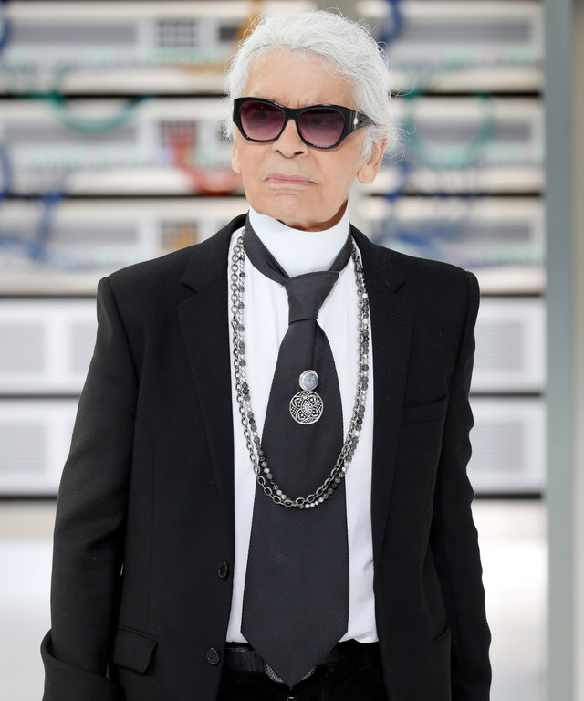 PARIS, FRANCE - OCTOBER 04:  Karl Lagerfeld walks the runway during the Chanel show as part of the Paris Fashion Week Womenswear Spring/Summer 2017  on October 4, 2016 in Paris, France.  (Photo by Antonio de Moraes Barros Filho/WireImage)