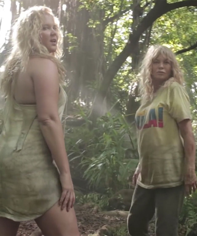 """Amy Schumer and Goldie Hawn Slay in Their Own Version of Beyoncé's """"Formation"""""""