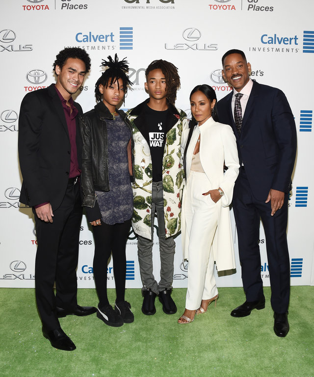 BURBANK, CA - OCTOBER 22:  (L-R) Actors Trey Smith, Willow Smith, Jaden Smith, Jada Pinkett Smith and Will Smith arrive at the 26th Annual EMA Awards at Warner Bros. Studios on October 22, 2016 in Burbank, California.  (Photo by Amanda Edwards/WireImage)