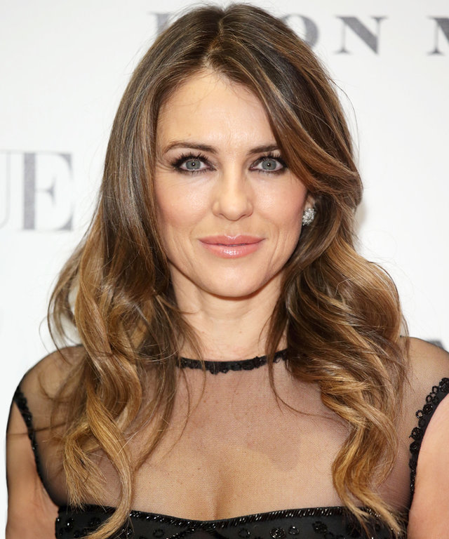 Elizabeth Hurley's Latest Bikini 'Gram Defines Fitness #Goals