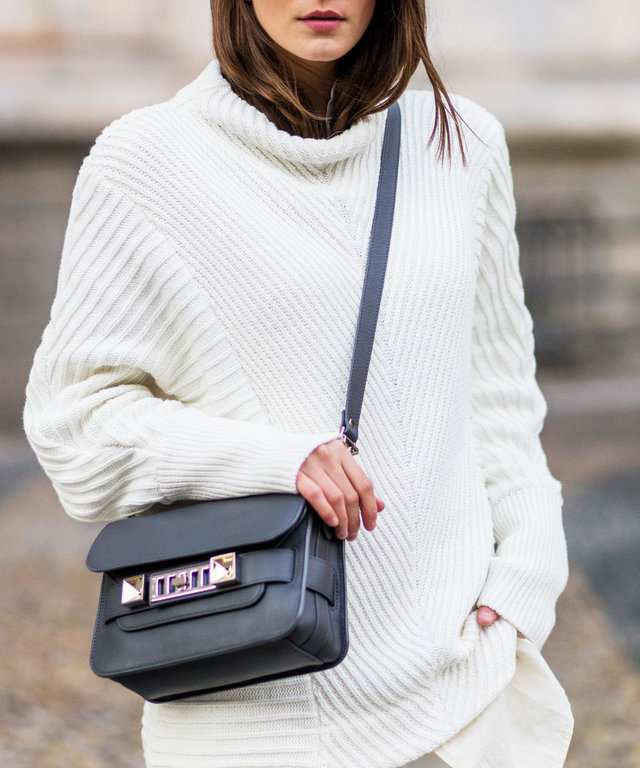 16 Cute Cross-Body Bags for Travelers
