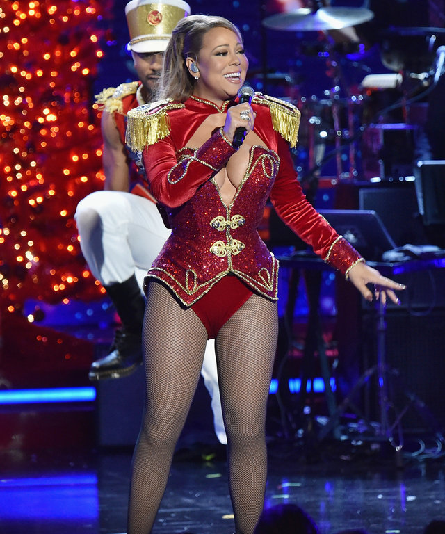 NEW YORK, NY - DECEMBER 02:  Mariah Carey performs onstage during 2016 VH1's Divas Holiday: Unsilent Night at Kings Theatre on December 2, 2016 in New York City.  (Photo by Michael Loccisano/Getty Images)
