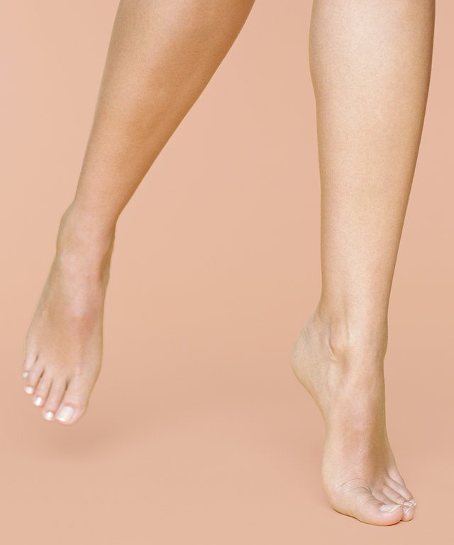 These Foot Masks Make You Shed Your Skin Like a Lizard