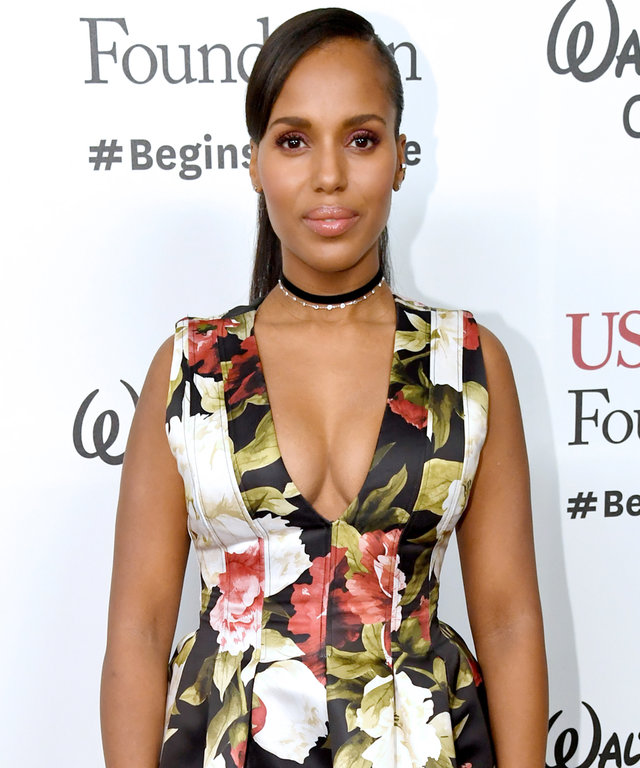 HOLLYWOOD, CA - DECEMBER 08:  Actress Kerry Washington attends Ambassadors for Humanity Gala Benefiting USC Shoah Foundation at The Ray Dolby Ballroom at Hollywood & Highland Center on December 8, 2016 in Hollywood, California.  (Photo by Jeff Kravitz/Fil