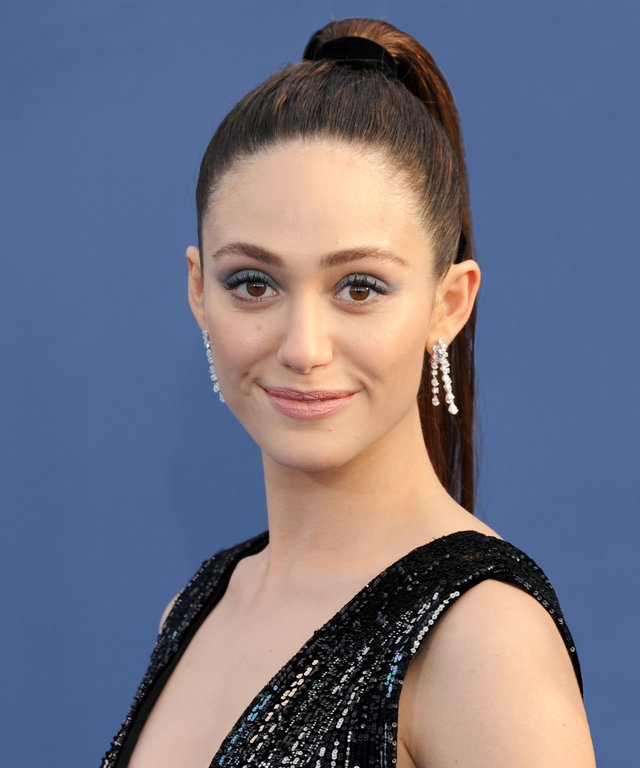 SANTA MONICA, CA - DECEMBER 11:  Actress Emmy Rossum arrives at The 22nd Annual Critics' Choice Awards at Barker Hangar on December 11, 2016 in Santa Monica, California.  (Photo by Gregg DeGuire/WireImage)
