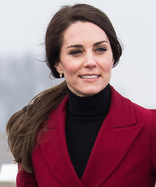 Kate Middleton Wears the Perfect Scarlet Coat on Valentine's Day