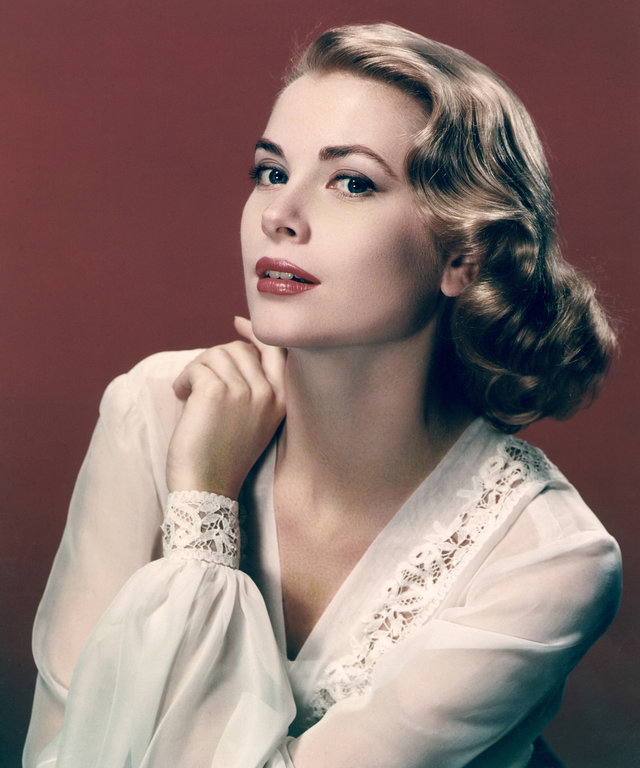 2014 Gamma-Rapho UNSPECIFIED - 1955: Portrait of actress Grace Kelly in 1955. (Photo by API/Gamma-Rapho via Getty Images)