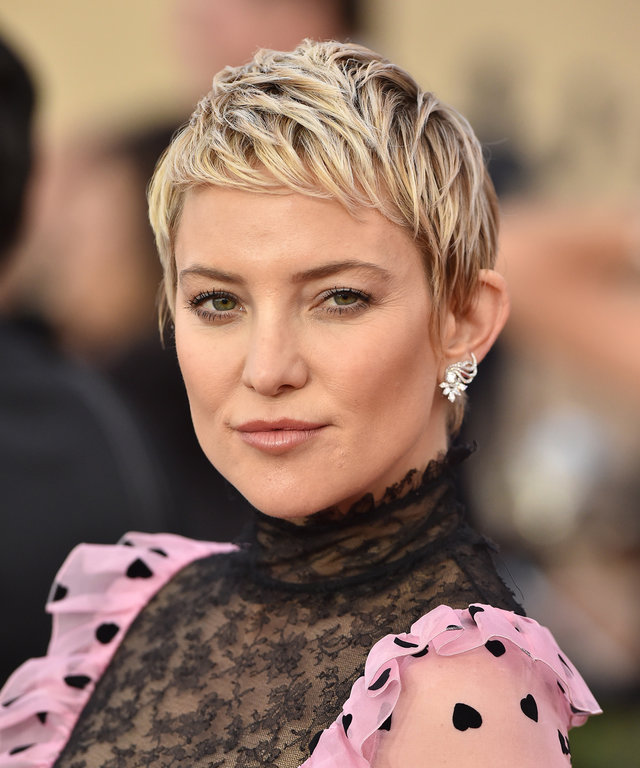 Short Haircuts For Women Ideas For Short Hairstyles Instyle Com