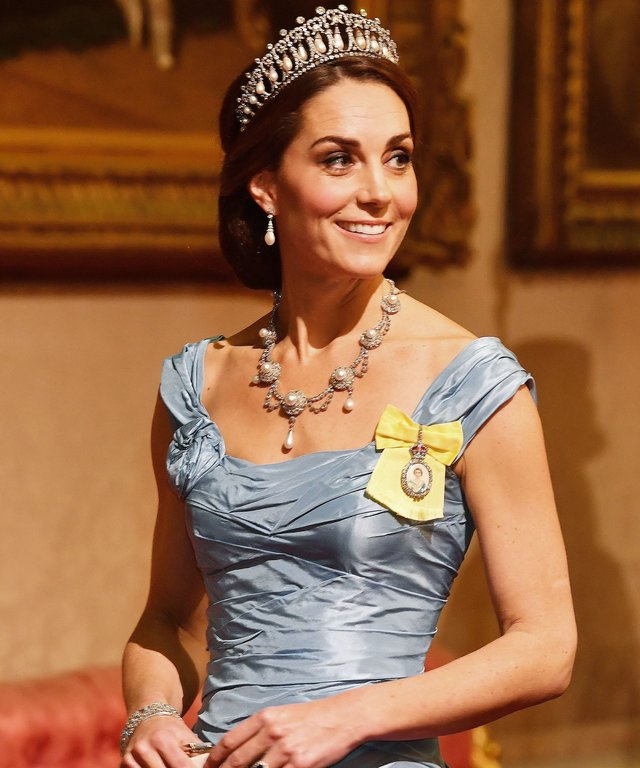 Kate Middleton necklace lead