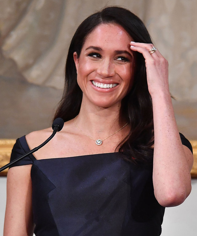 Meghan Markle necklace lead