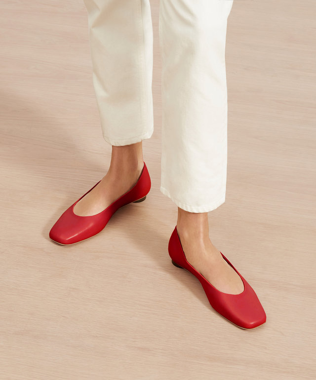 everlane-square-toe-flat-comfortable
