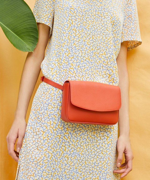 cuyana-blood-orange-bag