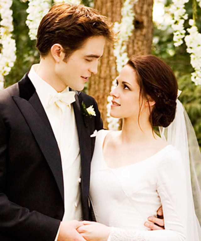 Carolina Herreras Bella Swan Wedding Dress Where To Find It