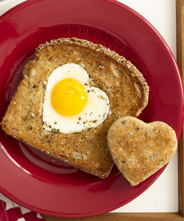 Heart-Shaped Egg-in-Toast
