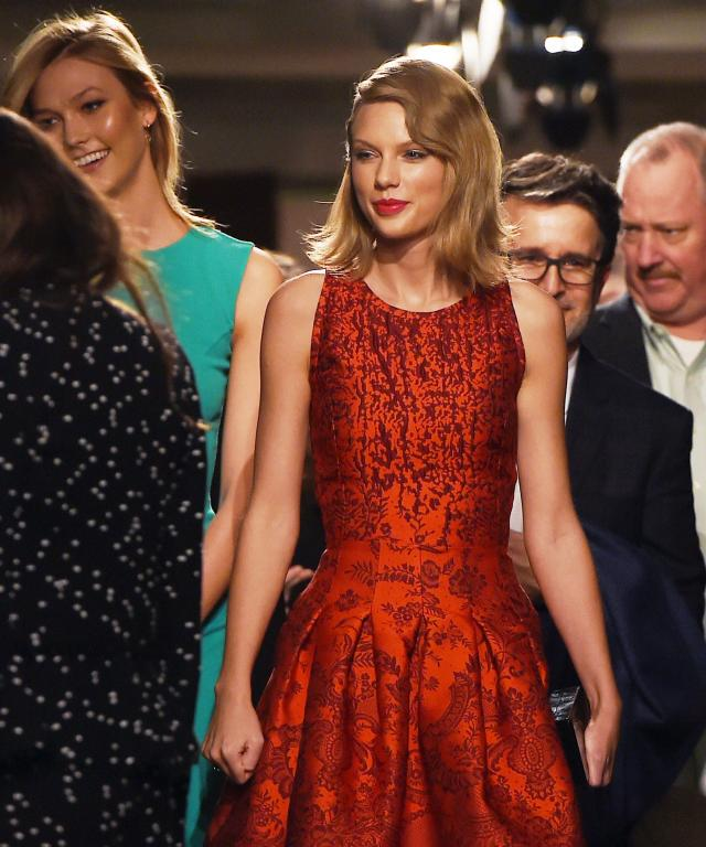 Karlie Kloss and Taylor Swift at Oscar de la Renta