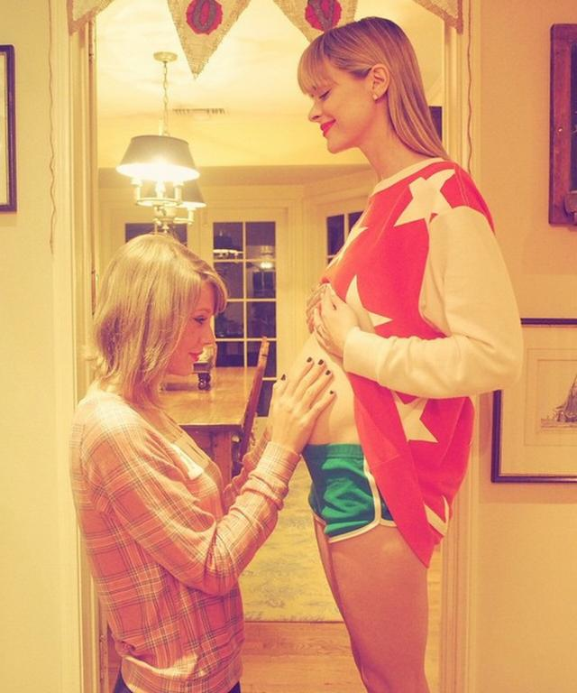Taylor Swift godmother