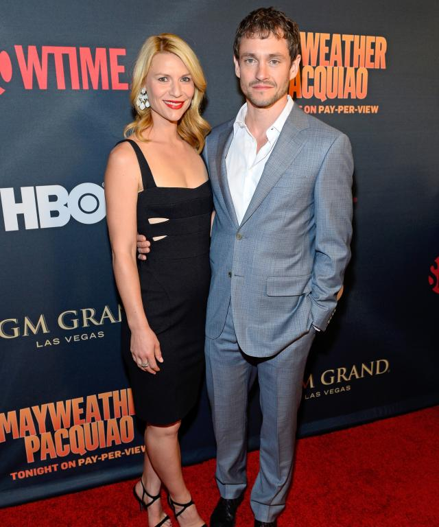 """Actors Claire Danes (L) and Hugh Dancy attend the SHOWTIME And HBO VIP Pre-Fight Party for """"Mayweather VS Pacquiao"""" at MGM Grand Hotel & Casino on May 2, 2015 in Las Vegas, Nevada."""