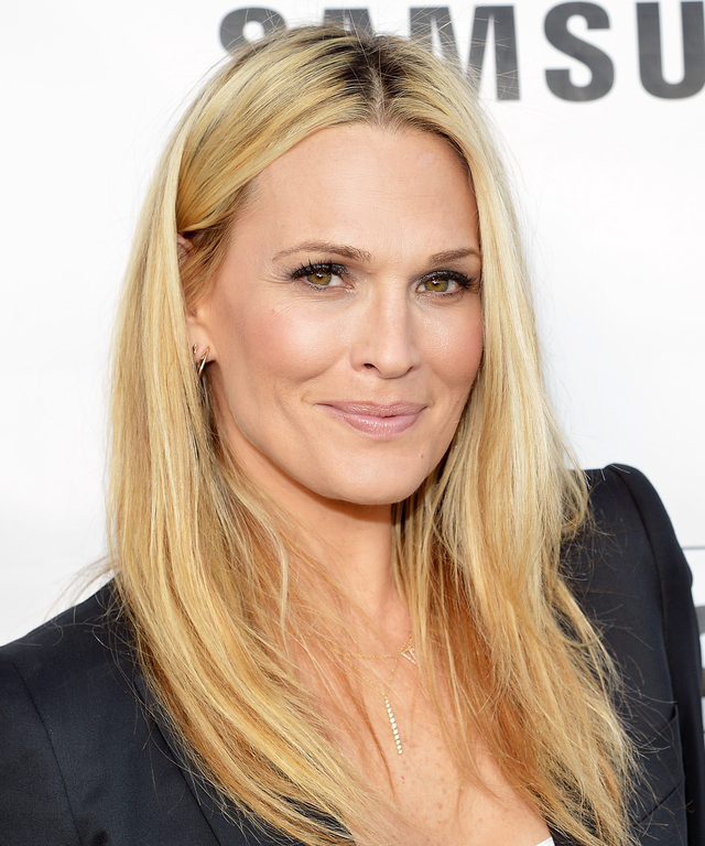 Host Molly Sims attends Samsung Home Appliances Hosts Billboard Music Awards Viewing Party at the London Hotel on May 17, 2015 in Los Angeles, California.