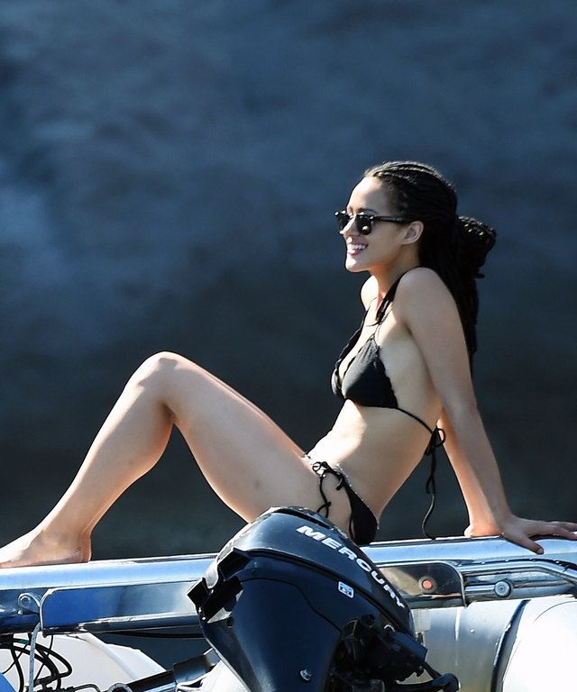 Star Bikini Wears Of Game Thrones Nathalie Emmanuel e2WHDIE9Y