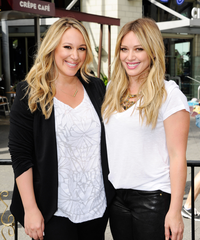 "Hilary Duff And Haylie Duff On ""Extra"""