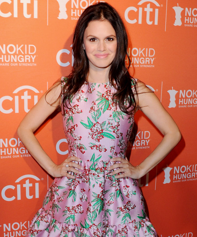 LOS ANGELES, CA - OCTOBER 14:  Actress Rachel Bilson arrives at the No Kid Hungry Benefit Dinner at Four Seasons Hotel Los Angeles at Beverly Hills on October 14, 2015 in Los Angeles, California.  (Photo by Jon Kopaloff/FilmMagic)