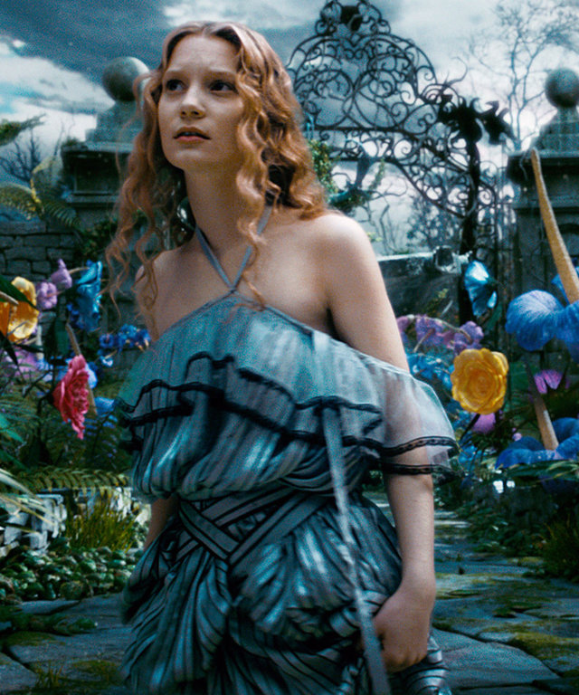 ALICE IN WONDERLAND, Mia Wasikowska as Alice, 2010. ©Walt Disney Pictures/courtesy Everett Collection
