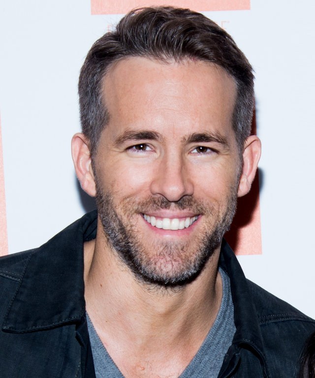 """NEW YORK, NY - SEPTEMBER 22:  Actor Ryan Reynolds attends the sneak preview of """"Mississippi Grind"""" at The Film Society of Lincoln Center, Walter Reade Theatre on September 22, 2015 in New York City.  (Photo by Mark Sagliocco/Getty Images)"""
