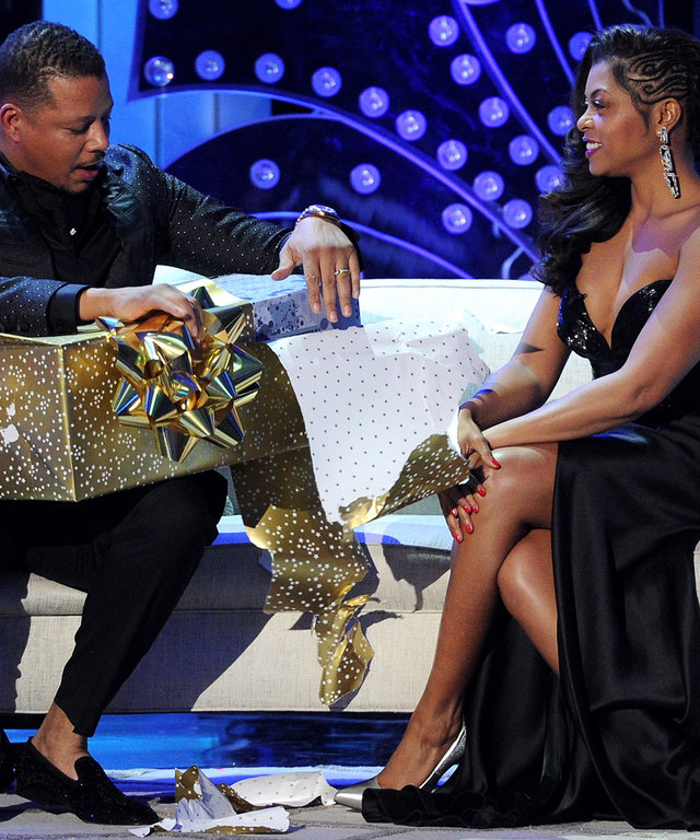 Terrence Howard and Taraji P. Henson perform in the TARAJI AND TERRENCE'S WHITE HOT HOLIDAYS airing Wednesday, Dec. 9 (9:00-10:00 PM ET/PT) on FOX. ©2015 Fox Broadcasting Co.