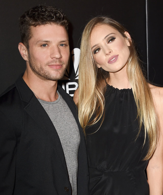 Actors Ryan Phillippe (L) and Paulina Slagter attend the PEOPLE Magazine Awards at The Beverly Hilton Hotel on December 18, 2014 in Beverly Hills, California.